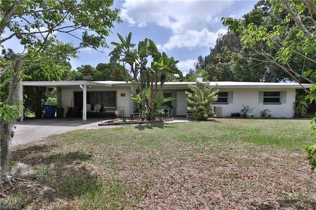 1689 Daniels Drive, North Fort Myers, FL 33917 (#220043096) :: The Dellatorè Real Estate Group