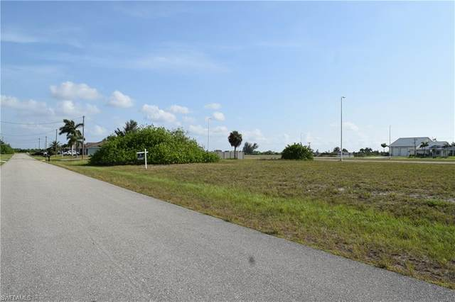 1112 NW 31st Place, Cape Coral, FL 33993 (MLS #220043100) :: Palm Paradise Real Estate