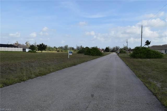2807 NW 41st Place, Cape Coral, FL 33993 (#220043103) :: The Dellatorè Real Estate Group