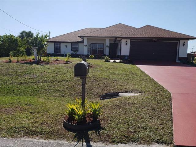 2703 45th Street SW, Lehigh Acres, FL 33976 (MLS #220043310) :: Kris Asquith's Diamond Coastal Group