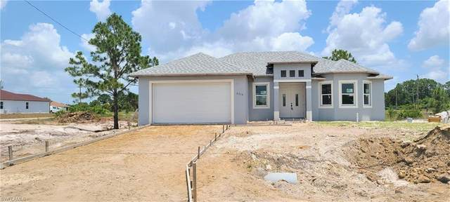 3216 33rd Street SW, Lehigh Acres, FL 33976 (MLS #220043397) :: RE/MAX Realty Group