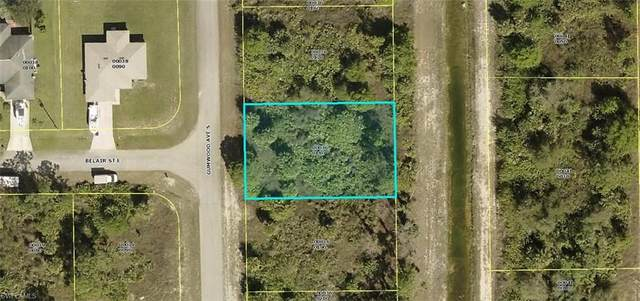 545 Gumwood Avenue S, Lehigh Acres, FL 33974 (MLS #220043572) :: Palm Paradise Real Estate