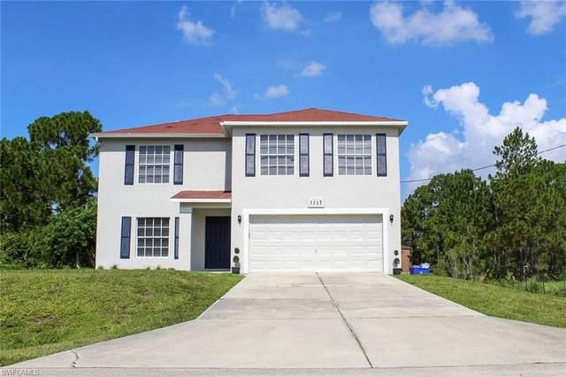 1117 Clark Avenue, Lehigh Acres, FL 33972 (#220044284) :: Caine Premier Properties
