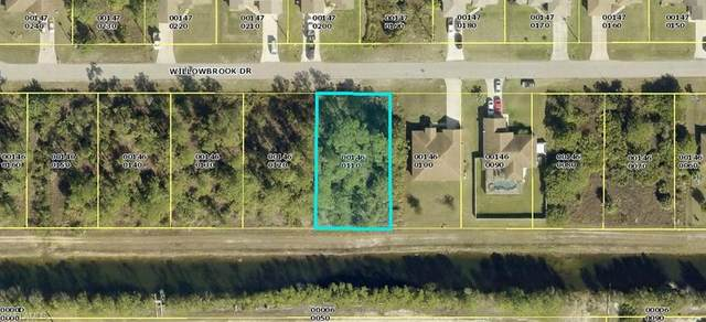 461 Willowbrook Drive, Lehigh Acres, FL 33972 (MLS #220044524) :: RE/MAX Realty Group