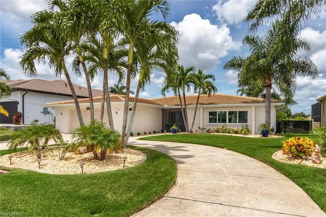 909 Dolphin Drive, Cape Coral, FL 33904 (#220045720) :: Vincent Napoleon Luxury Real Estate