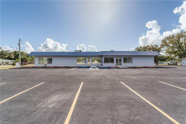 4750 Bayline Drive #2, North Fort Myers, FL 33917 (#220048283) :: Caine Premier Properties