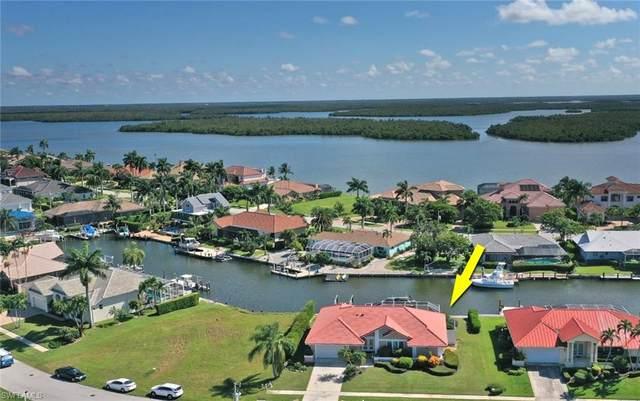 155 Hollyhock Court, Marco Island, FL 34145 (#220048395) :: Caine Premier Properties