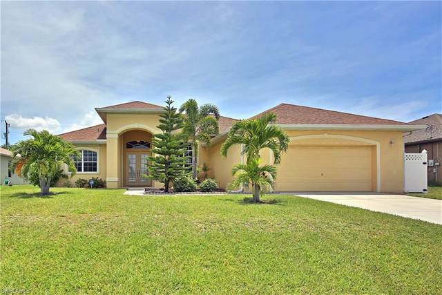 2318 SW 27th Street, Cape Coral, FL 33914 (#220048399) :: The Dellatorè Real Estate Group