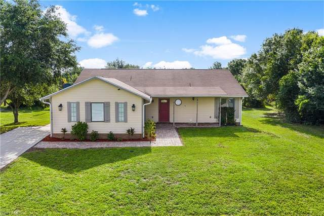 6136 Higgins Avenue, Fort Myers, FL 33905 (MLS #220048514) :: RE/MAX Realty Group