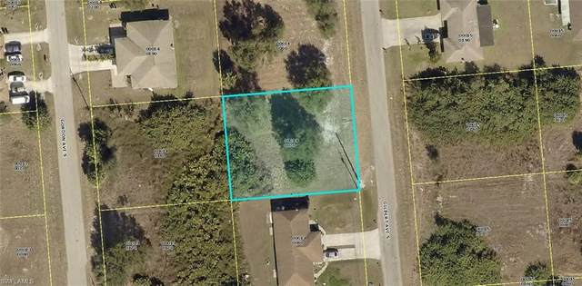 724/726 Gilbert Avenue S, Lehigh Acres, FL 33973 (MLS #220048715) :: RE/MAX Realty Group