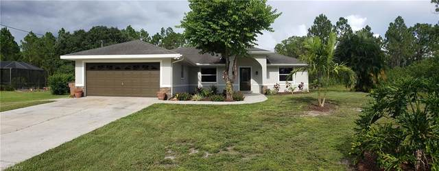 904 Congress Avenue, Lehigh Acres, FL 33972 (#220048985) :: The Dellatorè Real Estate Group