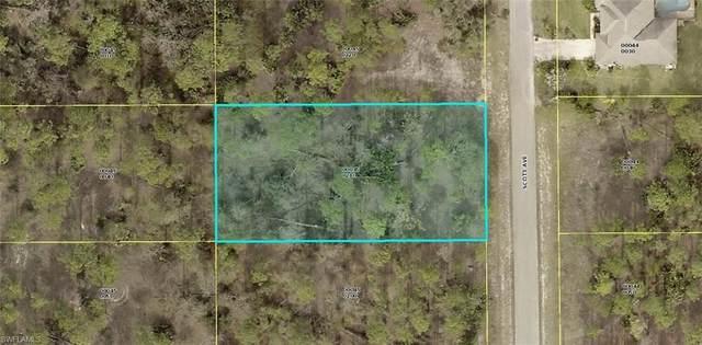 1117 Scott Avenue, Lehigh Acres, FL 33972 (#220048997) :: Vincent Napoleon Luxury Real Estate