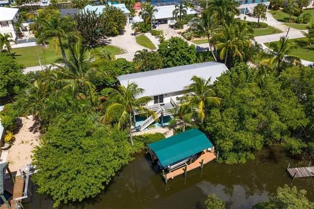 3651 Catamaran Lane, St. James City, FL 33956 (MLS #220049385) :: NextHome Advisors