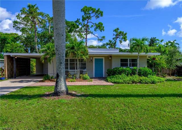 2113 Burton Avenue, Fort Myers, FL 33907 (#220049616) :: The Dellatorè Real Estate Group