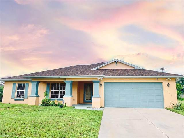 3902 3rd Street SW, Lehigh Acres, FL 33976 (MLS #220049677) :: Uptown Property Services