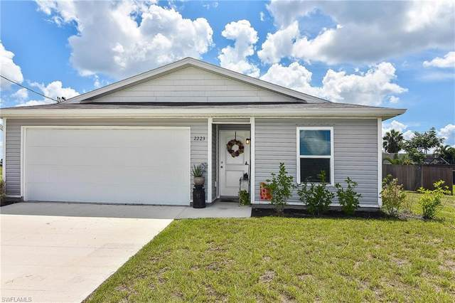 2223 NW 6th Place, Cape Coral, FL 33993 (MLS #220049773) :: NextHome Advisors