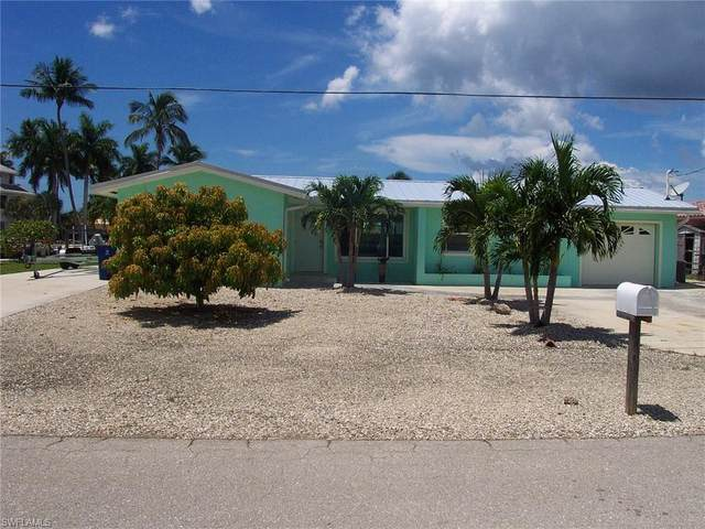 2864 Triggerfish Street, Matlacha, FL 33993 (MLS #220051394) :: Florida Homestar Team