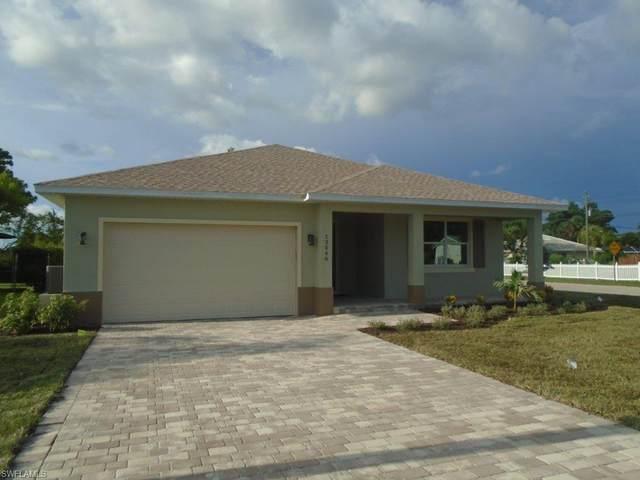 13546 Marquette Boulevard, Fort Myers, FL 33905 (MLS #220052409) :: Florida Homestar Team