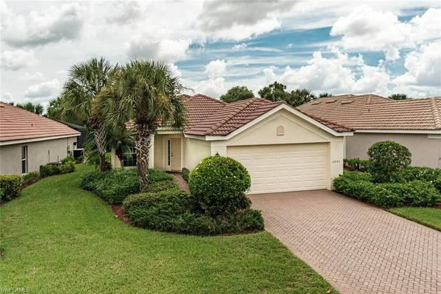 10055 Oakhurst Way, Fort Myers, FL 33913 (#220052626) :: The Dellatorè Real Estate Group
