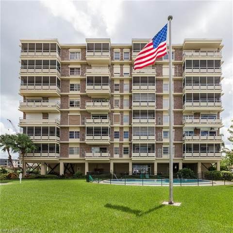 2350 W 1st Street #206, Fort Myers, FL 33901 (MLS #220052709) :: Clausen Properties, Inc.