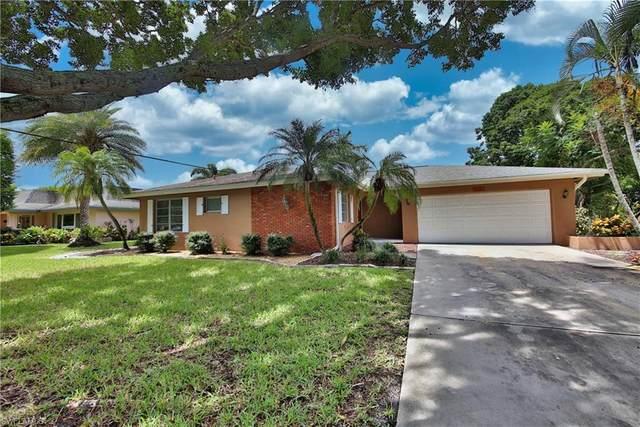 1441 Woodwind Court, Fort Myers, FL 33919 (#220052795) :: Jason Schiering, PA