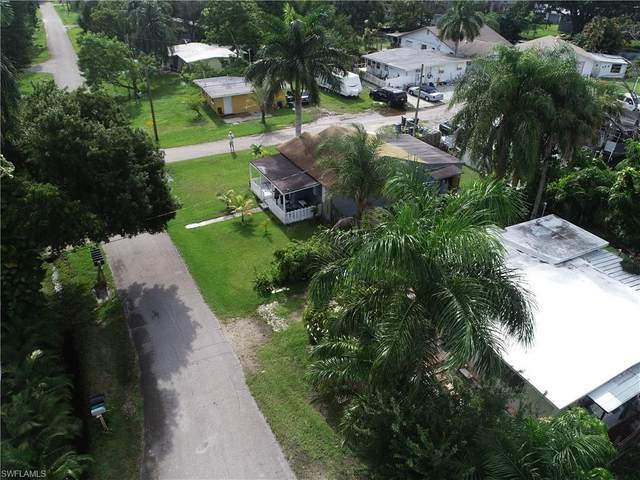 91 Oak Street, North Fort Myers, FL 33903 (MLS #220053127) :: Clausen Properties, Inc.