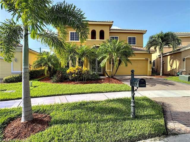 15520 Laguna Hills Drive, Fort Myers, FL 33908 (MLS #220053680) :: Florida Homestar Team