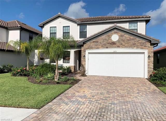 1573 Vizcaya Lane, Naples, FL 34113 (MLS #220054040) :: Florida Homestar Team