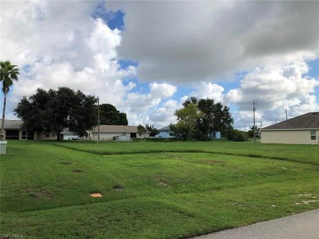 627 SE 2nd Terrace, Cape Coral, FL 33990 (#220058843) :: The Dellatorè Real Estate Group