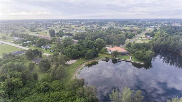 848 Whispering Pine Rd., Cape Coral, FL 33993 (#220059598) :: Caine Premier Properties