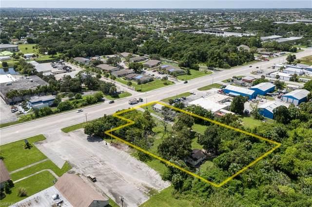 952/954 Pondella Road, North Fort Myers, FL 33903 (#220059699) :: Caine Premier Properties