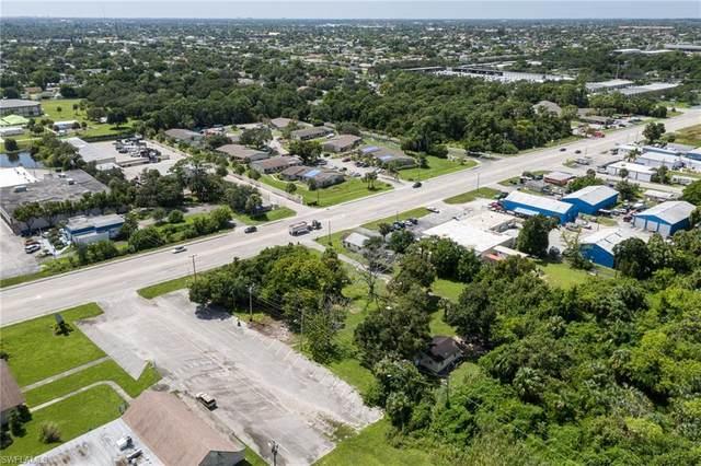 956 Pondella Road, North Fort Myers, FL 33903 (#220059711) :: Caine Premier Properties
