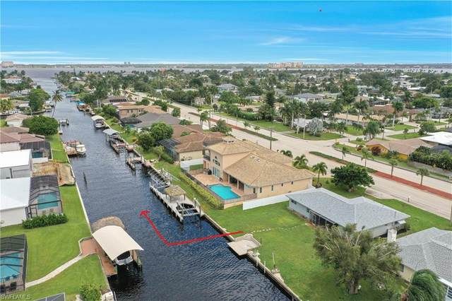 825 Lucerne Parkway, Cape Coral, FL 33904 (MLS #220059775) :: RE/MAX Realty Group
