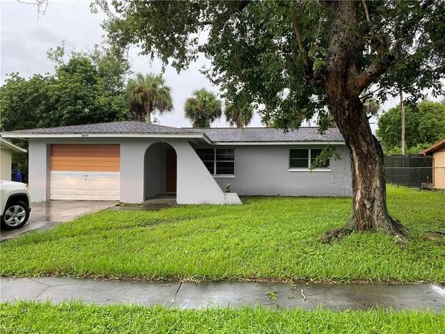 4908 Jeannie Lane, Fort Myers, FL 33905 (#220059845) :: The Dellatorè Real Estate Group