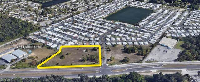 2880 N Tamiami Trail, North Fort Myers, FL 33903 (#220060002) :: The Dellatorè Real Estate Group