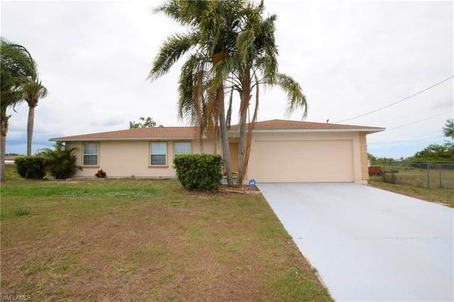 3913 11th Street SW, Lehigh Acres, FL 33976 (MLS #220061201) :: RE/MAX Realty Team