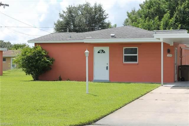 1104 Broad Street N, Lehigh Acres, FL 33936 (MLS #220061277) :: Eric Grainger | Engel & Volkers