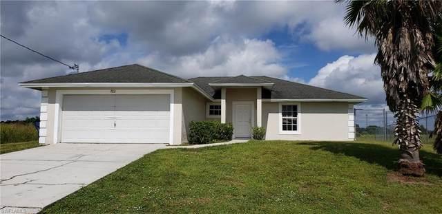 7021 Beaver Circle, Labelle, FL 33935 (MLS #220061286) :: Florida Homestar Team