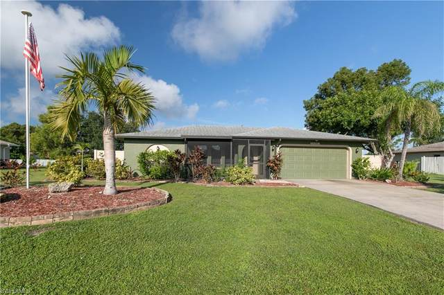 1810 Country Club Boulevard, Cape Coral, FL 33990 (#220061499) :: Vincent Napoleon Luxury Real Estate