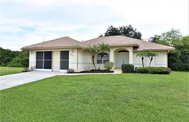 2910 Magdalina Drive, Punta Gorda, FL 33950 (#220061552) :: The Dellatorè Real Estate Group