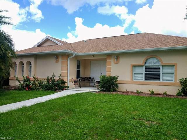 1080 15th Street SW, Naples, FL 34117 (#220061621) :: Southwest Florida R.E. Group Inc