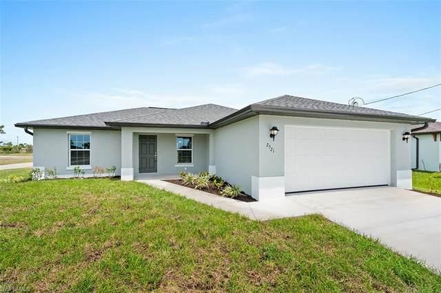 3501 1st Street SW, Lehigh Acres, FL 33976 (MLS #220061984) :: Florida Homestar Team