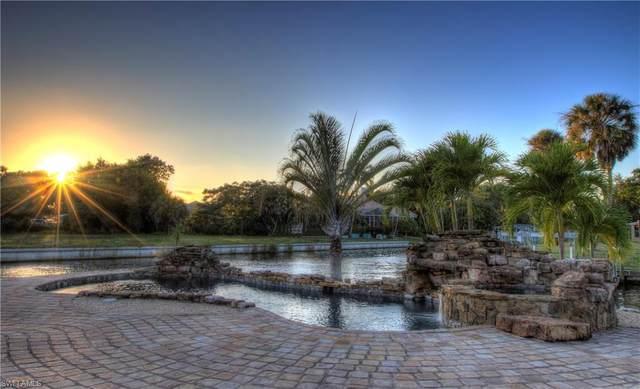 15394 Myrtle Street, Fort Myers, FL 33908 (#220062077) :: The Dellatorè Real Estate Group