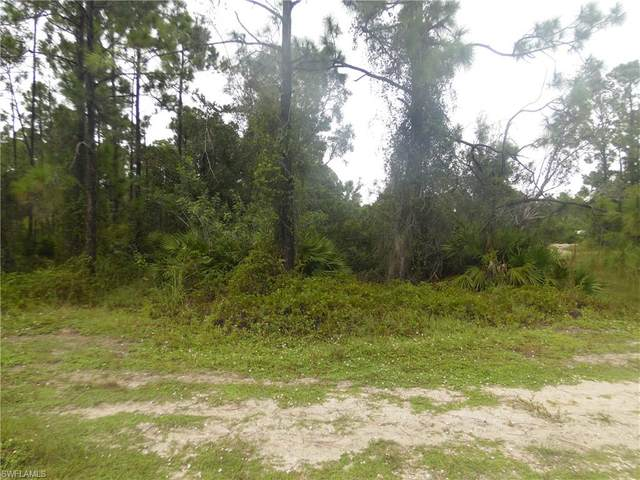 467 Jaguar Boulevard, Lehigh Acres, FL 33974 (#220063266) :: The Dellatorè Real Estate Group