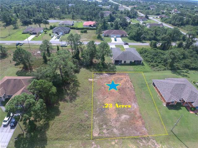 640 Chambers St E, Lehigh Acres, FL 33974 (#220064621) :: The Dellatorè Real Estate Group