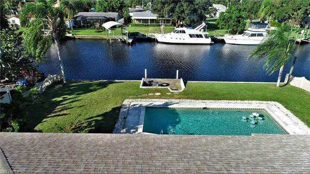 2107 Barbados Avenue, Fort Myers, FL 33905 (#220064695) :: The Michelle Thomas Team