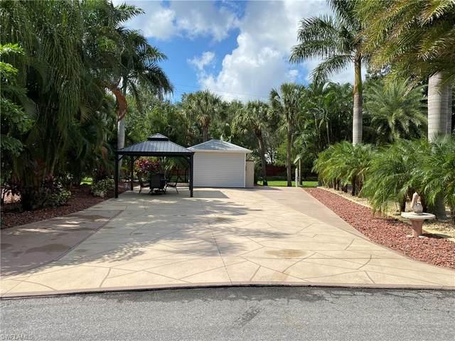 5670 Maplewood Court, Fort Myers, FL 33905 (MLS #220065330) :: Clausen Properties, Inc.