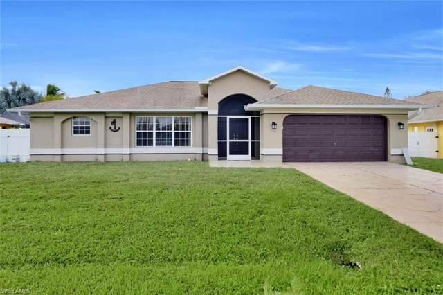 916 SE 33rd Terrace, Cape Coral, FL 33904 (MLS #220066043) :: Avantgarde