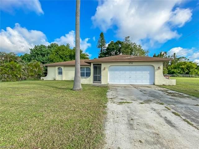 1711 NE 6th Street, Cape Coral, FL 33909 (#220066853) :: The Dellatorè Real Estate Group
