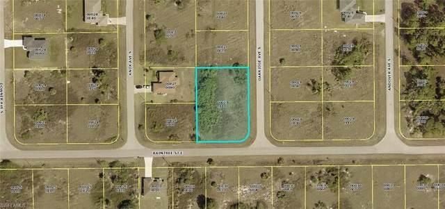 744 Oakridge Avenue S, Lehigh Acres, FL 33974 (MLS #220067250) :: Kris Asquith's Diamond Coastal Group